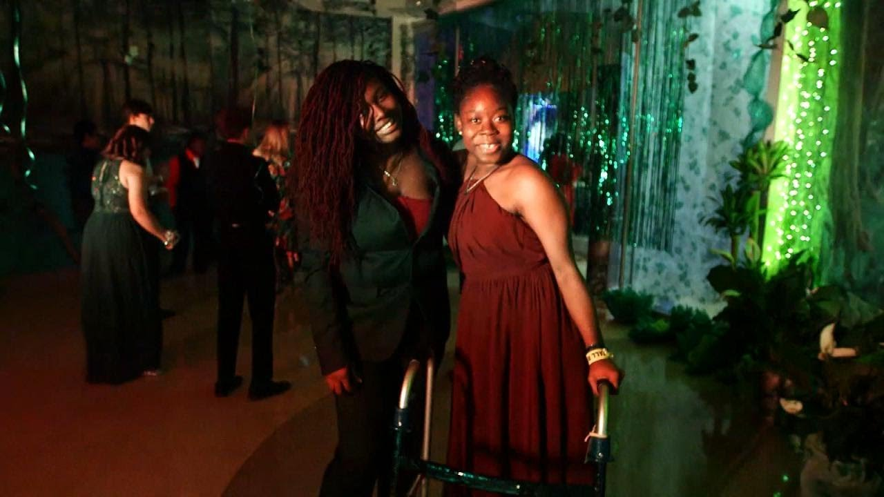 GEORGIA: BLACK TEEN WALKS FOR 1st TIME IN 9 YEARS AT PROM
