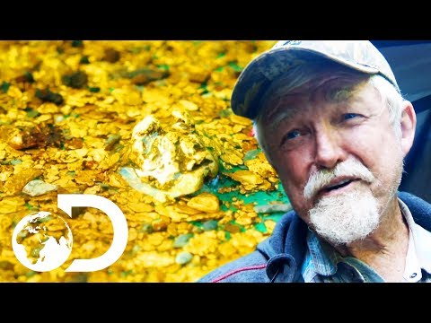 The Crew Finds A Nugget Trap Full Of Gold! | Gold Rush: White Water