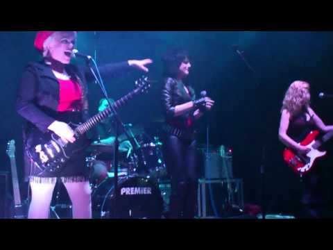 The Priscillas - All The Way To Holloway