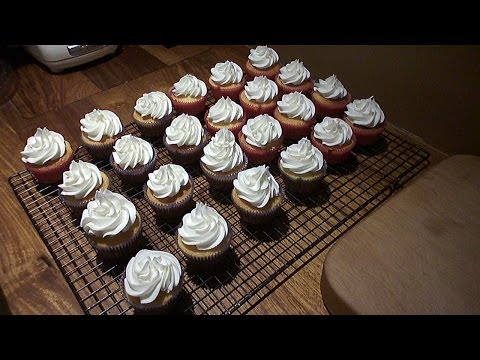 How To Make My Favourite Vanilla Cupcakes With Vanilla Icing