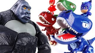 King Kong in The PJ Masks Headquarter~! Turn Into Dinosaurs To Defeat King Kong