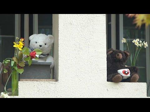 فيديو: لماذا يعرض سكان واشنطن دمى الدببة على نوافذهم خلال الحجر الصحي؟…  - نشر قبل 3 ساعة