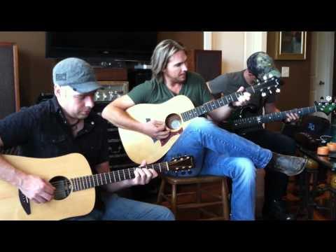 Glen Templeton sings Merle Haggard's Misery and Gin.MOV