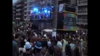 Carnaval 16 02 2013 Cabo Frio Praia do Forte trios elétricos com a galera num show de folia