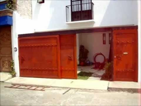 Portones corredizos minimalistas con puerta peatonal youtube - Puertas de metal para casas ...
