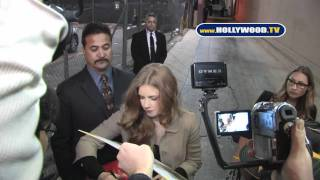 Amy Adams Greets Fans at Jimmy Kimmel Live