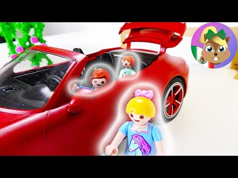 Película Playmobil: ¡Julian maneja el Porsche! Oh no... un accidente | Familia Pérez