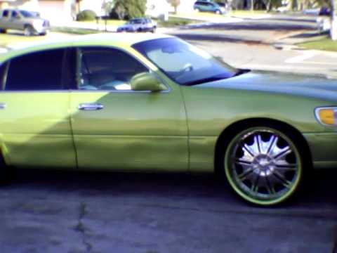 Diva And The Dimpled Lincoln Town Car Sitting On 24s Youtube