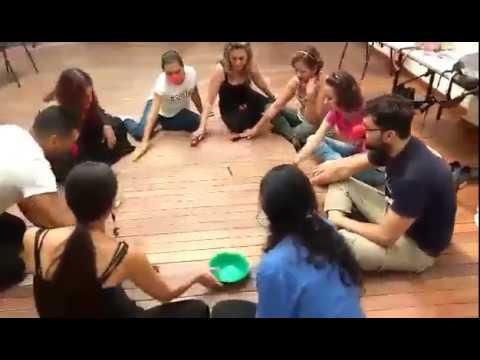 Taller de clown - Juego al pin al pon - YouTube