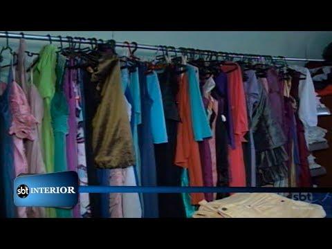 Roupas de brechó viram opção para renovar guarda-roupas