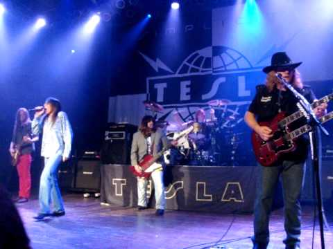 Tesla Chicago 8-23-14 MP3 Opening Song  House of Blues