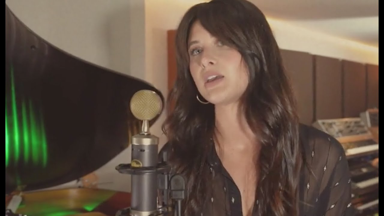 Savannah Outen - What Are We (Acoustic)