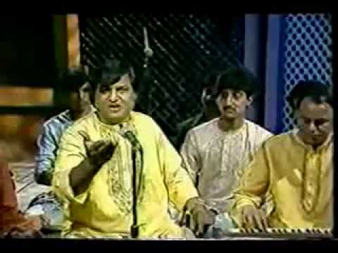 Jhoom barabar, the all time hit Aziz Naza live at Canada, very rare video thumbnail