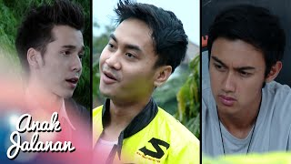 Video Mondy Galau Antara Boy & Bocin Yang Benar [Anak Jalanan] [14 Feb 2016] download MP3, 3GP, MP4, WEBM, AVI, FLV Oktober 2018