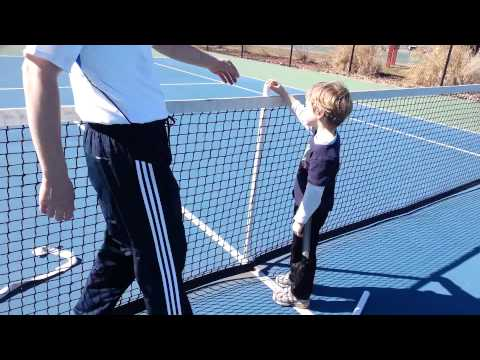 How to set height and tension of a tennis net for both singles and doubles play