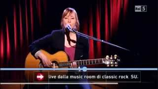 Suzanne Vega - Crack in the wall (Live Acoustic)