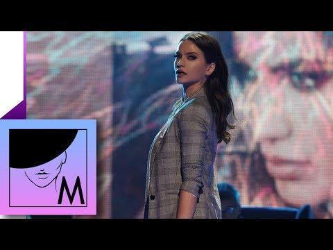 Milica Pavlovic - Operisan od ljubavi - Stage Performance - (TV Prva 22.10.2017.)