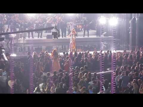 Celine Dion at Billboard MusiC Awards at T...