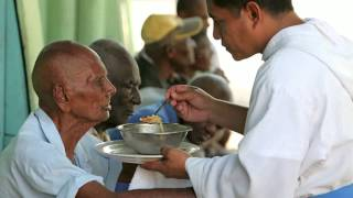 Morning Blessing - Sacrificial Love - 8/31/2015 - Fr. Richard Ho Lung, MOP