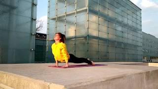 Powitanie Słońca - Surya Namaskar- Yoga