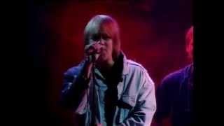 Eppu Normaali - Nuori poika live 1995