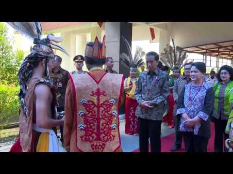Menerima Gelar Adat Dayak Raja Haring Hatungku Tungket Langit, Palangkaraya, 20 Desember 2016