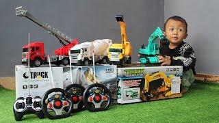 Video Unboxing Mainan Mobil Truk - Excavator, Damkar, Mobil Molen & Mobil Beko - Koleksi Mainan RC download MP3, 3GP, MP4, WEBM, AVI, FLV Oktober 2019