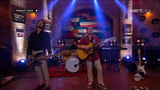 Download lagu DUL, DESTA, VINCENT - HIGH AND DRY (PERFORM AT TONIGHT SHOW)