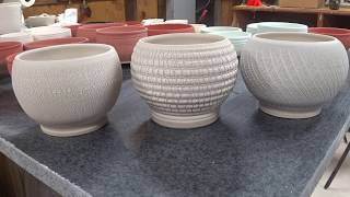Using Sodium Silicate to Create Crackle Texture on Pottery