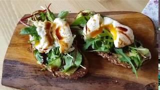 COZY рецепт | Тост с авокадо и яйцом пашот.