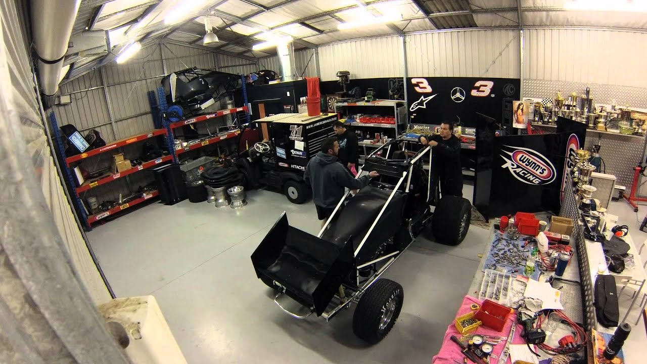 Jamie mcdonald sprint car build youtube for Garage sprint auto stains