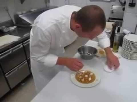 Hans zahner chef toil du restaurant la cuisine du for Restaurant la cuisine royal monceau