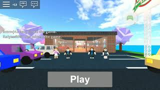 Working at a pizza place on Roblox lol