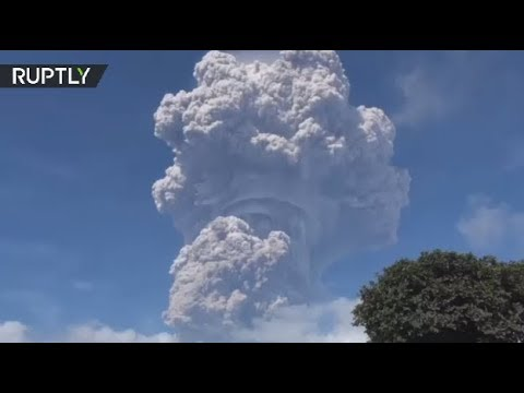 Ashroom Cloud: Mount Sinabung erupts in Indonesia