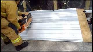 The EXTRACTOR Rescue Blade™ - Cutting Roofing Material (Plywood/Aluminum)
