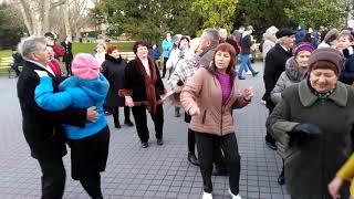 Танцы на Приморском бульваре   Севастополь   02.02.20   77 годовщина Победы в Сталинградской битве