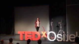 Život pjesme | Sara Renar | TEDxOsijek
