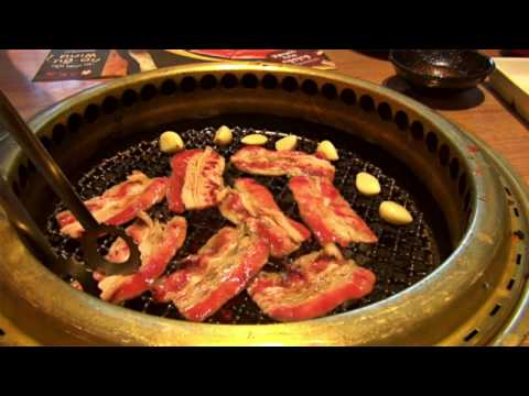 Living on $1,000 a month in Bangkok Thailand! All you can eat Japanese BBQ Buffet for $12!