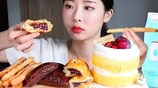 뚜레쥬르 히트제품 빵 케익 리얼사운드먹방 / Bread…