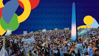 Argentinians celebrate in tнe Obelisco of Buenos Aires