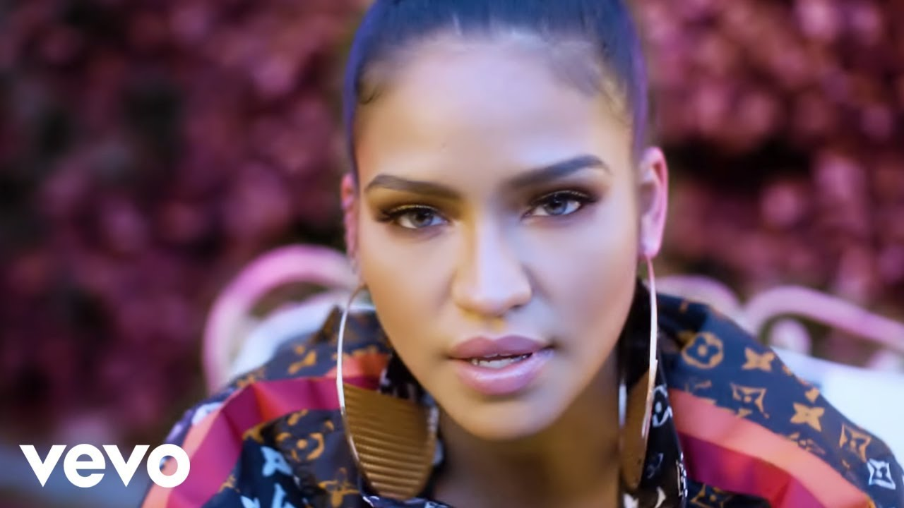 Cassie - Don't Play It Safe (Official Music Video)