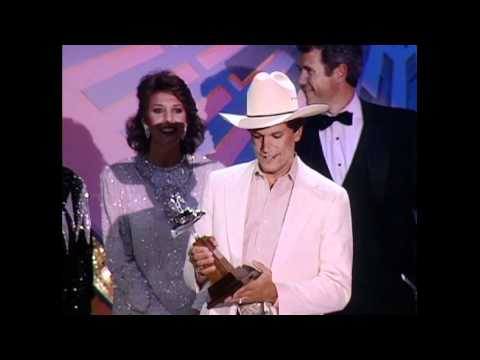 """George Strait Wins Album of the Year For """"Does Fort Worth Ever Cross Your Mind?"""" - ACM Awards 1986"""