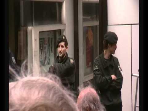 Ortsbesichtigung: Polizeiinspektion 1, in Essen, Musikeinlage