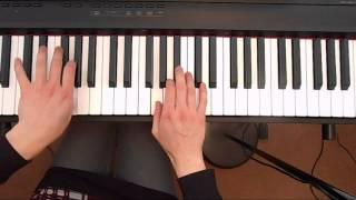 The Moon Shines Bright - Piano Christmas Carol -  Christmas Popular Carols with lyrics