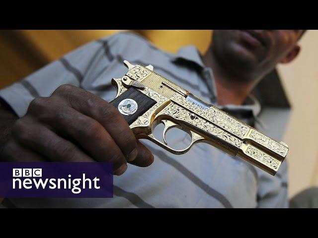 (UZNEMIRUJUĆI VIDEO) POLA DECENIJE OD SMRTI GADAFIJA: Mučan kraj libijskog vođe nikad nije istražen