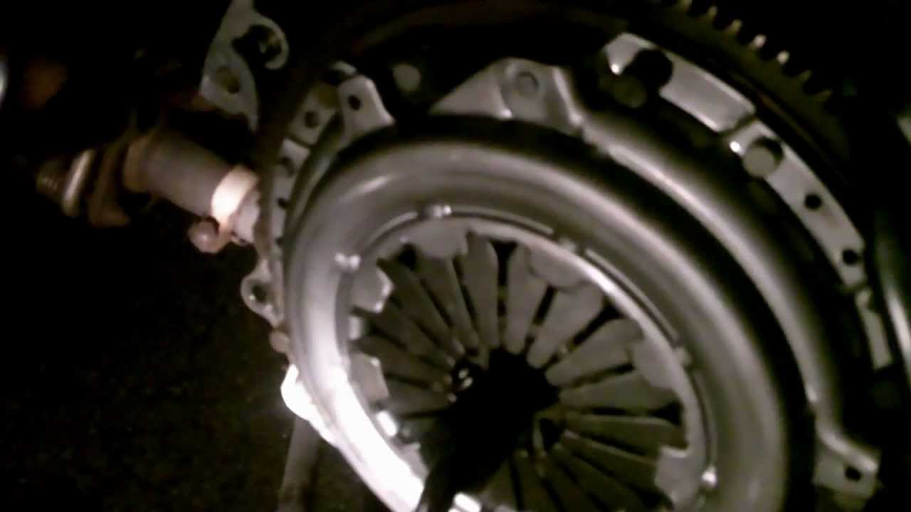 How to Change Clutch Honda Civic 96-00 (Full) - YouTube