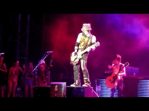 Guns N' Roses - Patience (Gods Of Metal, Milan, 22.06.2012)
