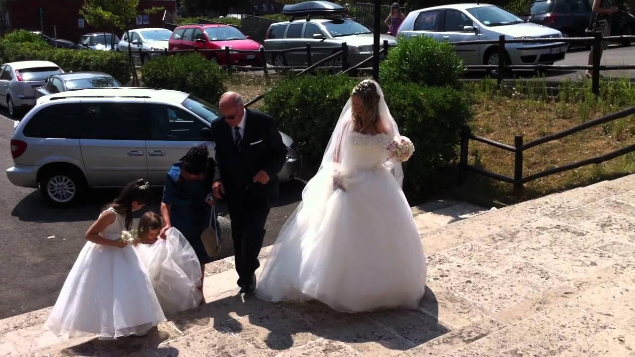 Matrimonio In Arrivo : L arrivo della sposa alla chiesa the bride gets to