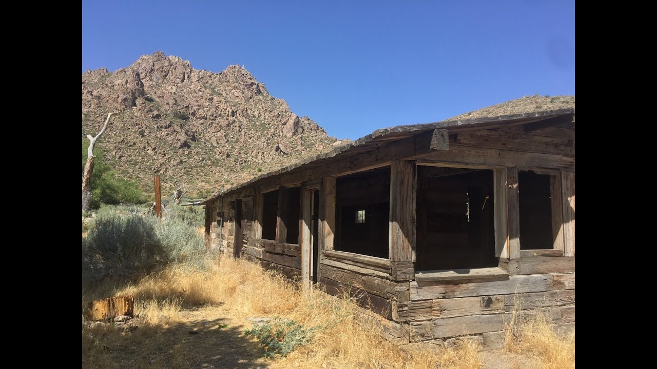 Exploring the Abandoned Horsethief Springs Camp and My Own Personal Campsite