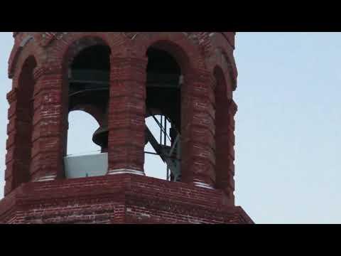 Колокольный звон в Свято-троицком храме г. Лысьва. Видео: Владимира Арапова